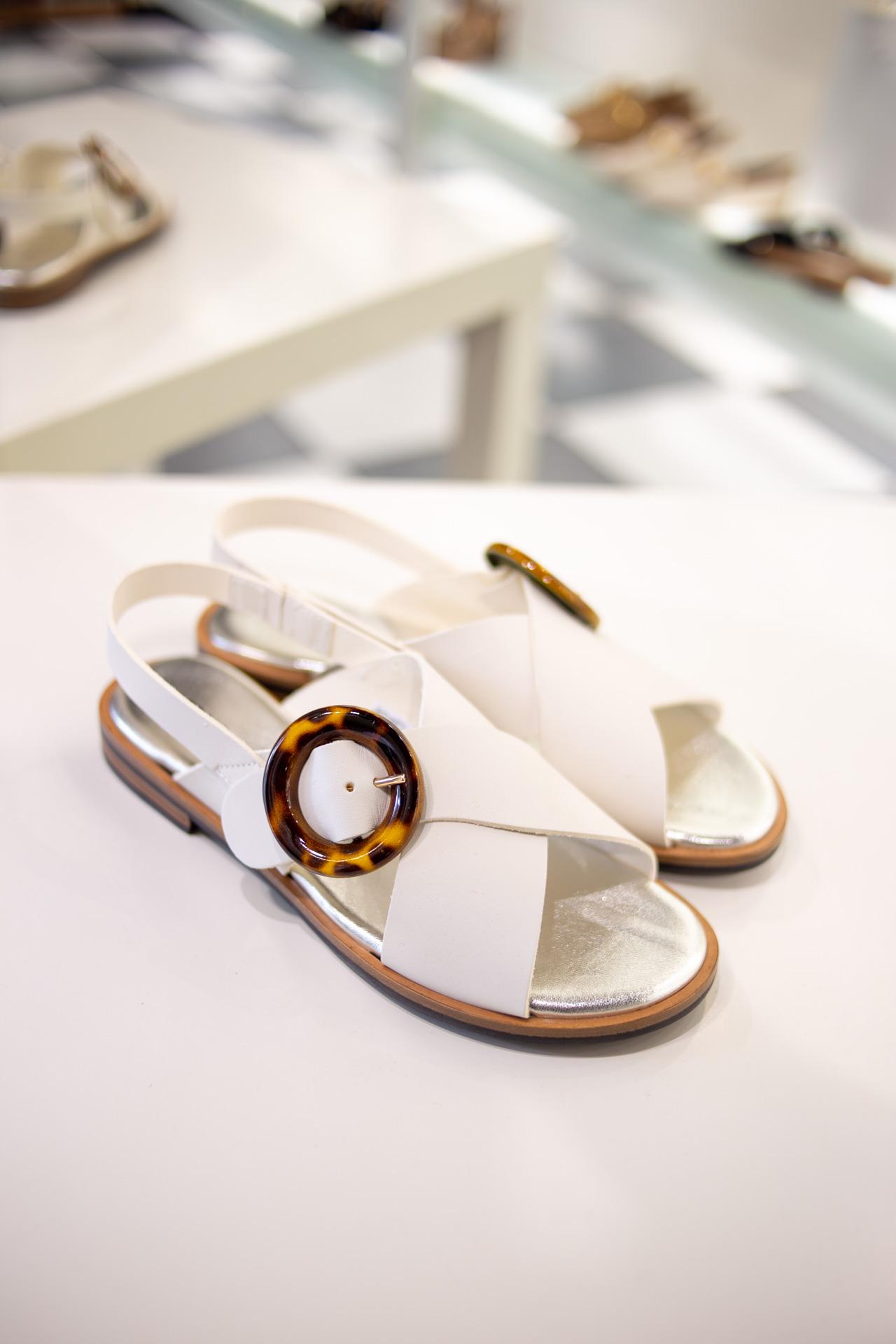 Sandali bianchi incrociati Frau