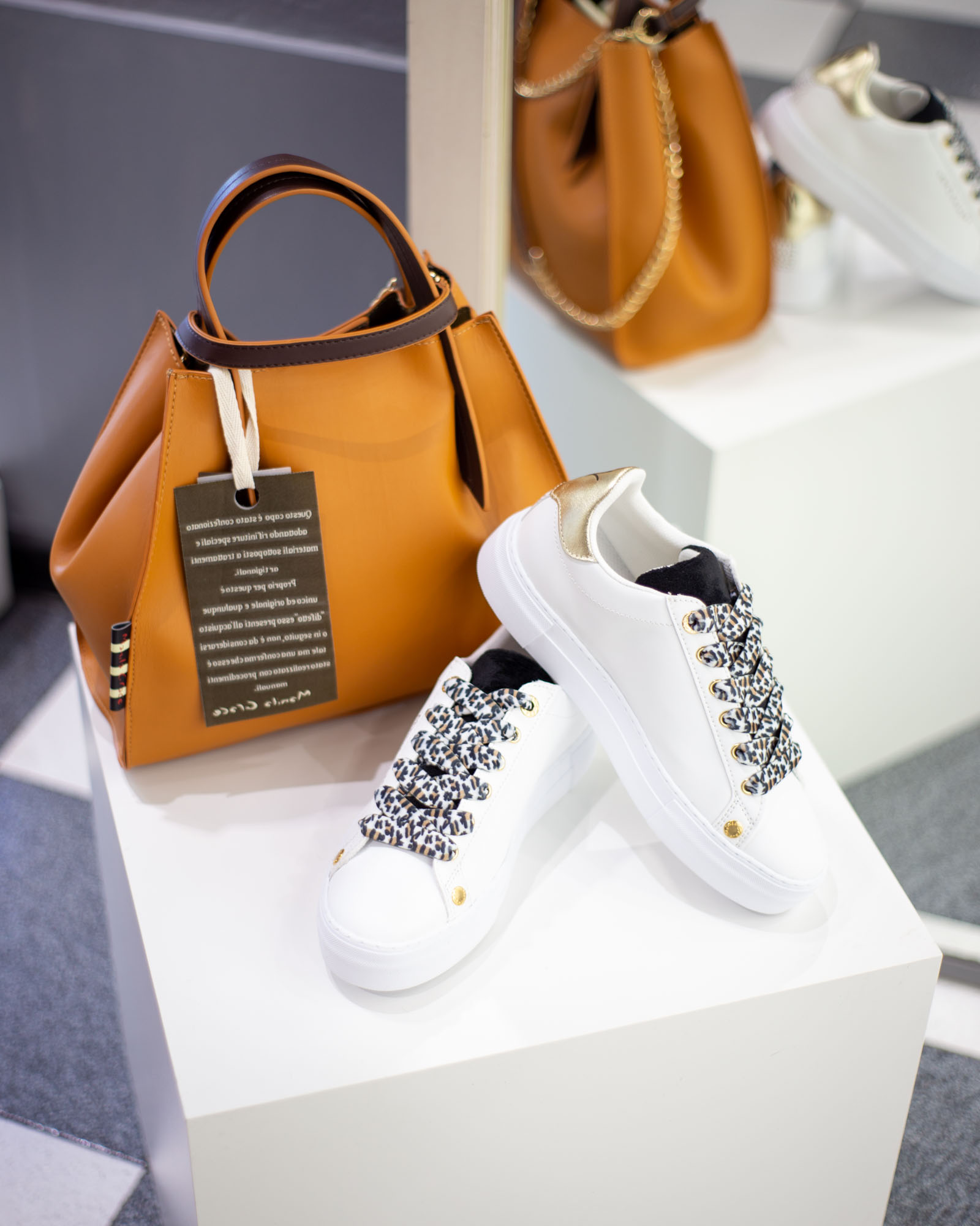 Sneakers e borsa Manila Grace